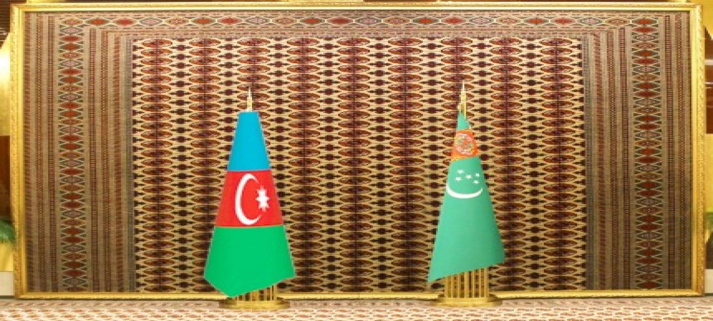 TÜRKMENISTANYŇ PREZIDENTINIŇ AZERBAÝJAN RESPUBLIKASYNA RESMI SAPARY BAŞLANDY